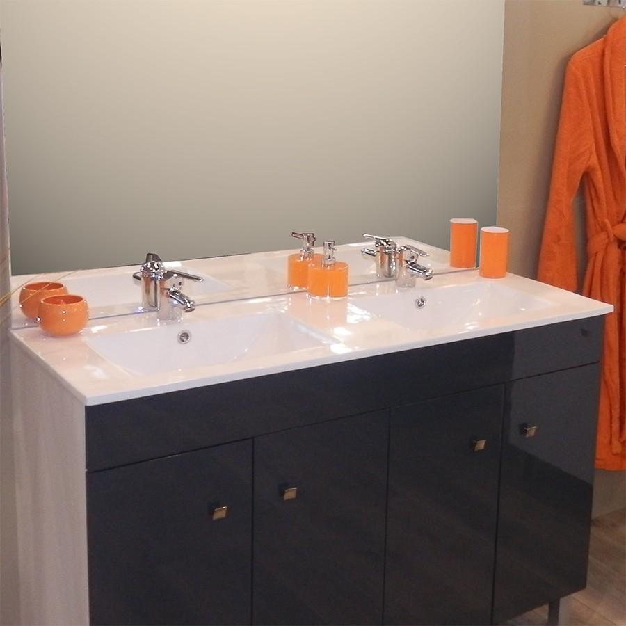 plan vasque double en c ramique de salle de bain. Black Bedroom Furniture Sets. Home Design Ideas